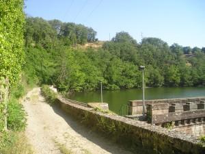 Vue du lac depuis le barrage de Fontbonne