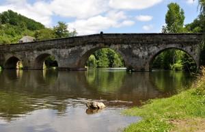 Le pont de CIrou - pont roman enjambant le Viaur